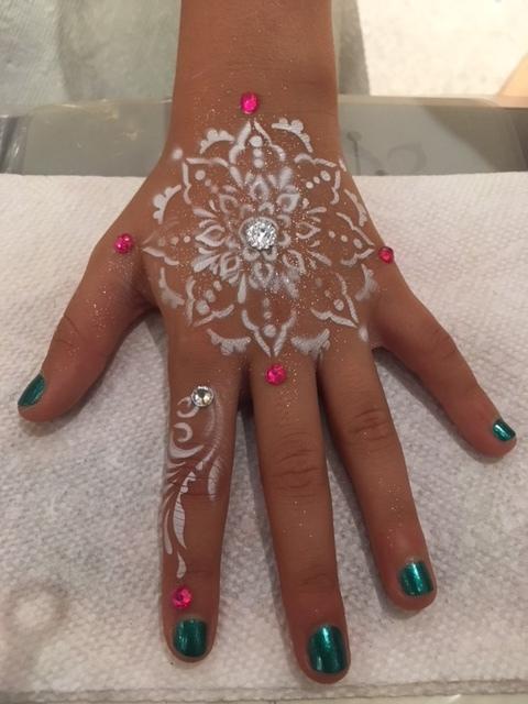 Henna Airbrush